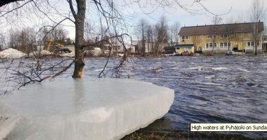 High waters at Pyhäjoki on Sunday. (Anne-Pauliina Rytkönen / Yle)