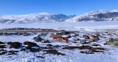 The hamlet of Pangnirtung. (Emily Ridlington/CBC)