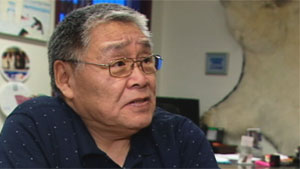 James Eetoolook, vice-president of Nunavut Tunngavik, says he doesn't believe a caribou hunting quota system would work on south Baffin, and that the population will recover on its own, as it has in the past. (CBC)