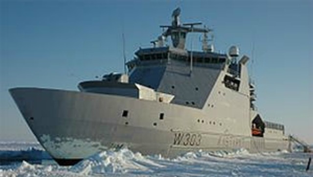 The KV Svalbard, an offshore patrol vessel belonging to the Norwegian Coast Guard, is the parent design for Canada's Arctic offshore patrol ships. It was built for about one-third of what Canada is paying just to design, not build, a similar ship. (Marcus Bengtsson/Wikipedia)