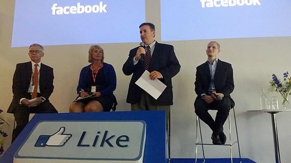 Facebook's server centre in Luleå unveiled by Tom Furlong. (David Zimmer / Sveriges Radio)