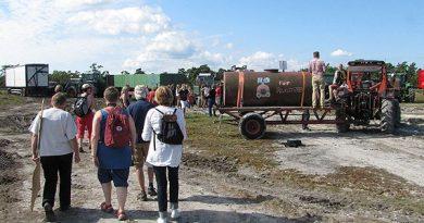 Demonstration against the quarry plan in June 2013. (Lasse Ahnell / SR Gotland)