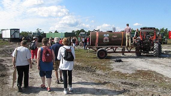 Demonstration against the quarry plan. (Lasse Ahnell / SR Gotland)