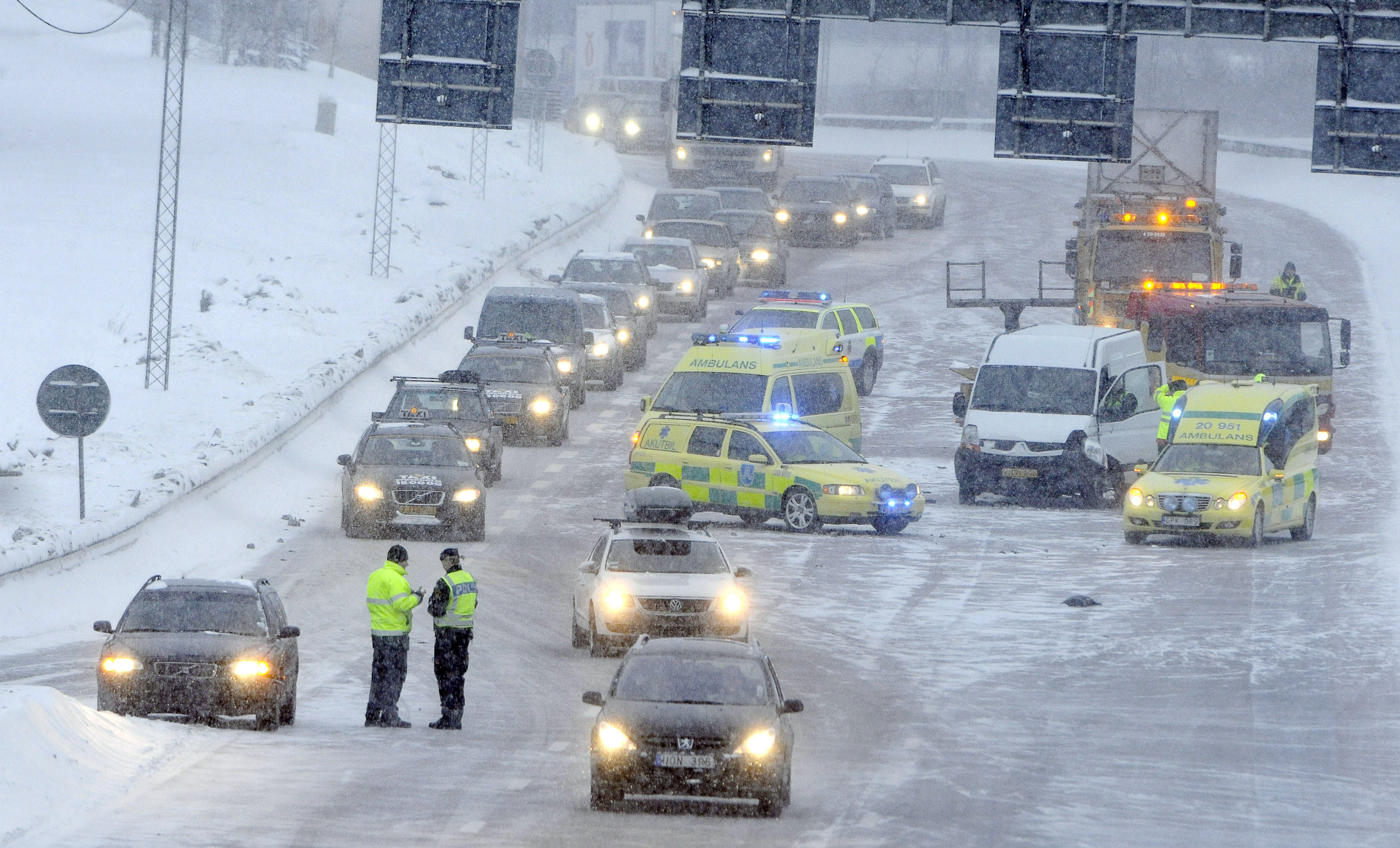 Most of Sweden's pollution is attributed to studded tires says a Swedish Radio News report. (Johan Nilsson / SCANPIX / AFP)