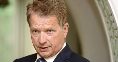 Finnish President Sauli Niinistö (pictured here in 2012) says NATO's free ride arrangement cannot ensure national security. (Heikki Saukkomaa / Lehtikuva / AFP)
