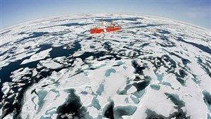 Critics says Canada is missing the boat on Arctic development. © Jonathan Hayward/Canadian Press