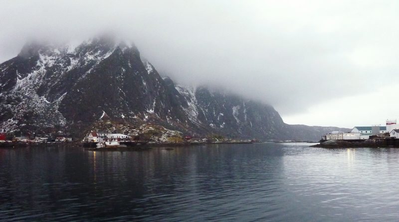 The Norwegian Sea off Norway's Arctic archipelago Lofoten. (Nina Larson / AFP)