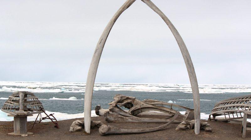 A whalebone arch sits on the Barrow, Alaska shoreline in 2012. ( Nicole Klauss/ Kodiak Daily Mirror/ AP)
