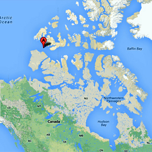 This map shows the location of the crash, about 600 kilometres west of Resolute, in the Northwest Passage north of Banks Island. (CBC)