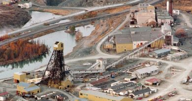 Giant Mine dominated life in Yellowknife up until it was shuttered in 2004. (The Canadian Press)