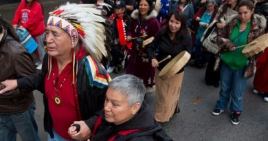 Accessing health care can be physically, emotionally and financially challenging for many aboriginal seniors, who may have to travel to urban centres for services that are unavailable in remote or isolated communities, a new report says. (Darryl Dyck/The Canadian Press)
