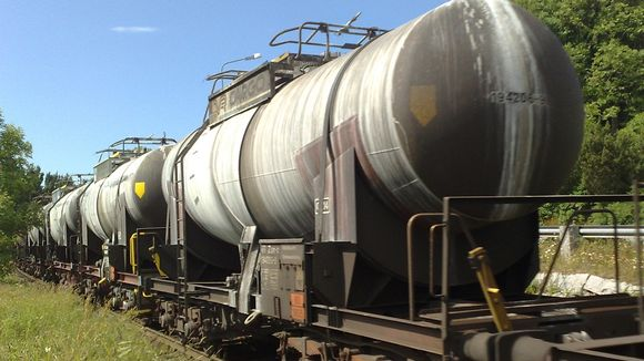 A large amount of hazardous products is being transported on Finnish rail each year. (Jouni Koutonen / Yle)