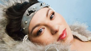 Inuk artist Tanya Tagaq blends traditional throat singing with experimental contemporary sounds. (CBC.ca)
