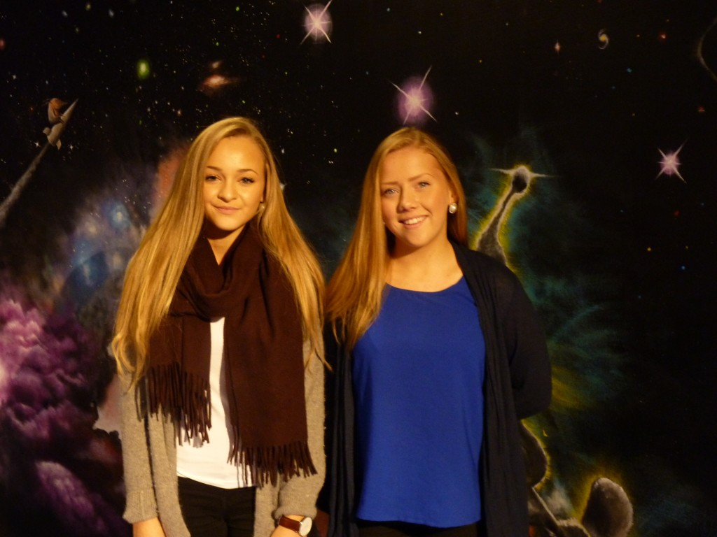 "Young science ""stars"" amongst the planetarium stars.  (Irene Quaile / Deutsche Welle)"