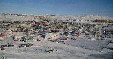 A record number of people took their own lives in Nunavut in 2013 yet young people in the territory say they're not getting the mental health support they need. (Sara Statham)
