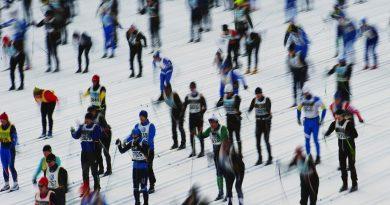 Skiers at the 2012 edition of the Vasaloppet ski marathon. (Jonathan Nackstrand / AFP)