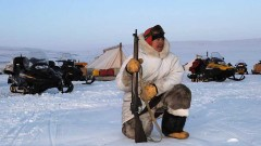 "A Canadian Ranger on ""predator"" watch by a tactical command post. Note the Lee-Enfield No4 Mk1* bolt action rifle. Although of WWII vintage, they have been the most reliable in extreme cold conditions.( Canadian Army)"