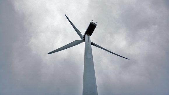 A windpower turbine in Ikaalinen, Finland. (Mihalis Kouloumbis / Yle)