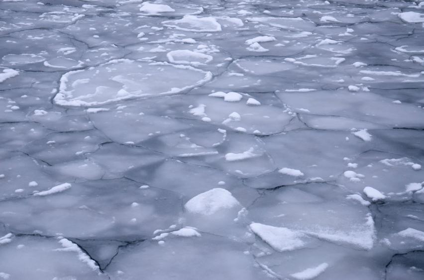 Ice shelf breaking up on a river in Alaska. (iStock)
