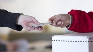More than 1 million Quebecers cast advance vote ballots. (File photo)