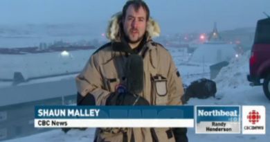 CBC North Video Journalist reporting on a windstorm in Iqaluit. (CBC)