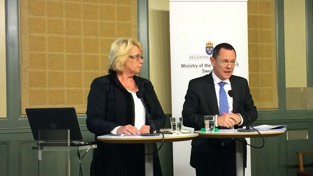 Swedish Environment Minister Lena Ek and the OECD's Simon Upton. (Kris Boswell/Sveriges Radio)