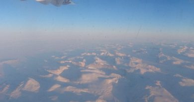 View from plane on way to Clyde River from Iqaluit. Photo Eilis Quinn