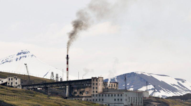 Coal power plant in Russian coal mine settlement Barentsburg, Svalbard, Norway in 2008. (iStock)