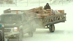 The federal Nutrition North program subsidizes the cost of transporting some grocery items to remote northern communities. (CBC)