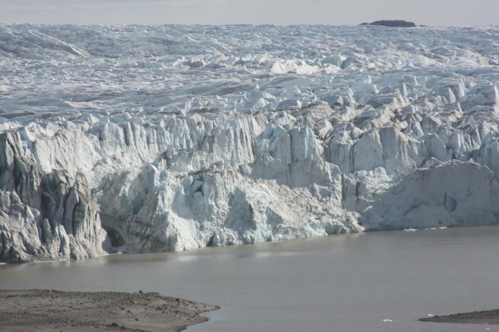 The Greenland ice sheet, photographed 2009.(I.Quaile)