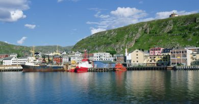 The town of Kirkenes is known as the capital of the Barents Region and the gateway to the East. (iStock)