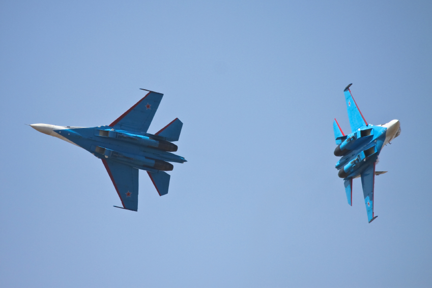 Two Russian Sukhoi jets performing in an air show. (iStock)