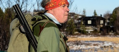 Knut Pettersen on a hunt in Norway's High North. (Emma Jarratt/Barents Observer)