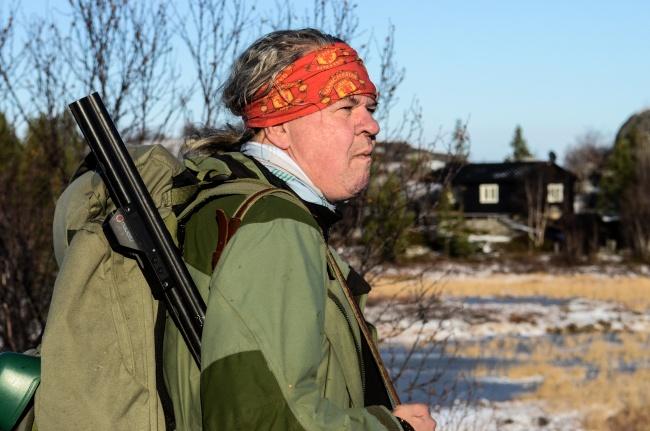 Knut Pettersen on a hunt in Norway's High North. (Emma Jarratt/Barents Observer)