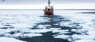 The new shipping rules will apply to both the Arctic and Antarctic after January 1, 2017. (Jimmy Thomson/Barents Observer)