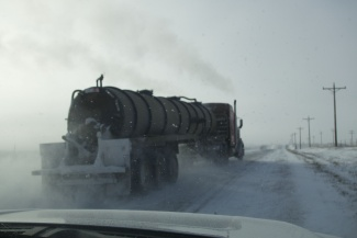 Keeping the speed limit, but still overtaken by a oil truck. (Thomas Nilsen/Barents Observer)
