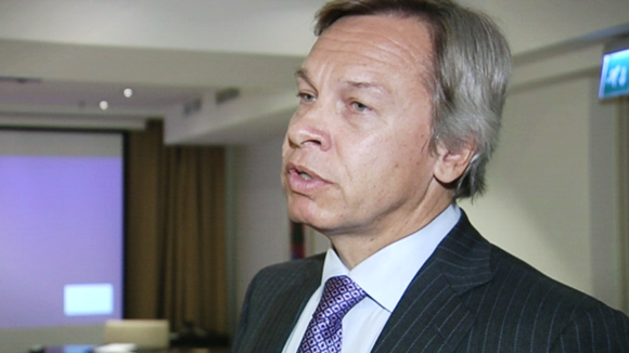 The chair of the Duma's foreign affairs committee, Alexei Pushkov, claims Finland would be willing to dismantle EU sanctions against Russia. (Yle)