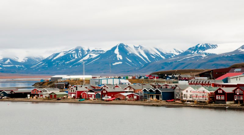 Longyearbyen is the largest settlement on Svalbard. (iStock)