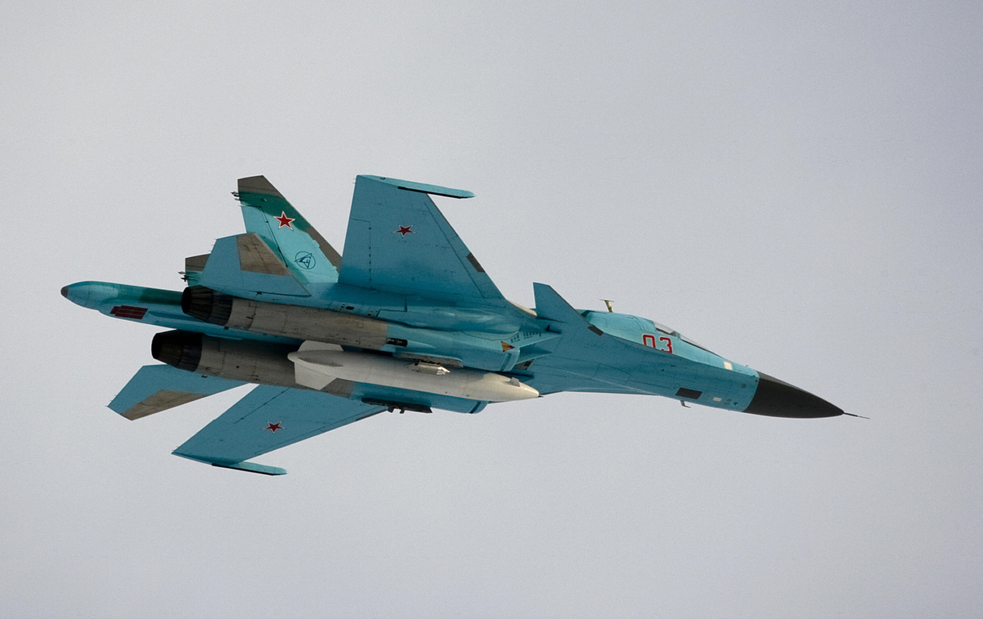 An Su-34 bomber jet flyng near Moscow in 2009. (Alexander Zemlianichenko/AFP/ Getty Images)