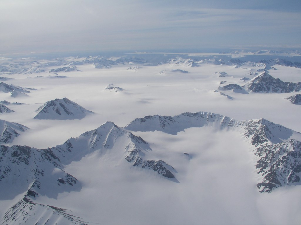 Beautiful Svalbard from the air – in summer! (I.Quaile)