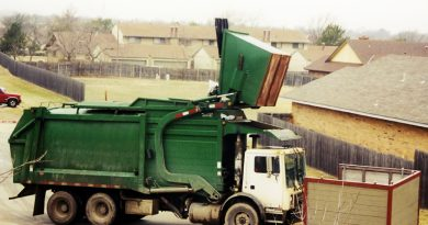 An industrial garbage truck. (iStock)