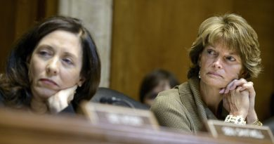 Alaska senator Lisa Murkowski listens during a session of the Senate Energy and Natural Resources Committee on Capitol Hill January 8, 2015 in Washington, DC. (Brendan Smialowski/AFP/Getty Images)