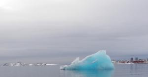 An iceberg chunk floating near Nuuk, Greenland. (Eilís Quinn/Eye on the Arctic)