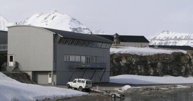 Ny Alesund, Spitsbergen hosts the world's northernmost marine lab. (Irene Quaile, 2007)