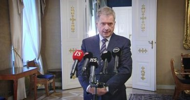 President Sauli Niinistö speaking on Tuesday at a press conference called to deflect claims of discord over Finnish participation in US-Estonian air force exercises.(Yle)