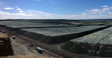 The Talvivaara Mining Company has been granted an extension to file an updated restructuring plan with the Espoo district court. (Yle)