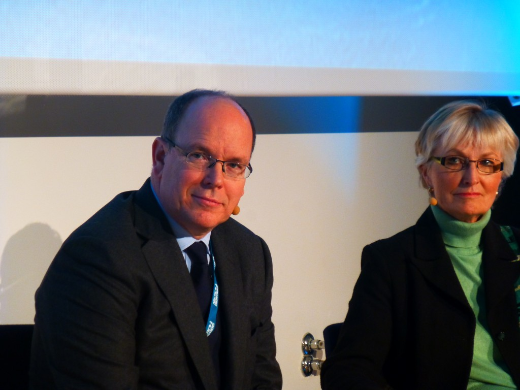 Arctic fan Prince Albert of Monaco and US special rep Fran Ulmer debated the feasibility of Arctic oil. (Irene Quaile)