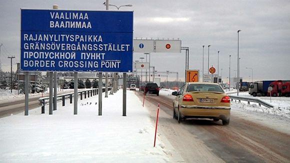 Traffic is slowing to a drip at Vaalimaa. (Mika Moksu / Yle)