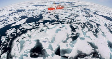 The Canadian Coast Guard icebreaker Louis S. St-Laurent in the Arctic in 2008. (Jonathan Hayward / The Canadian Press)