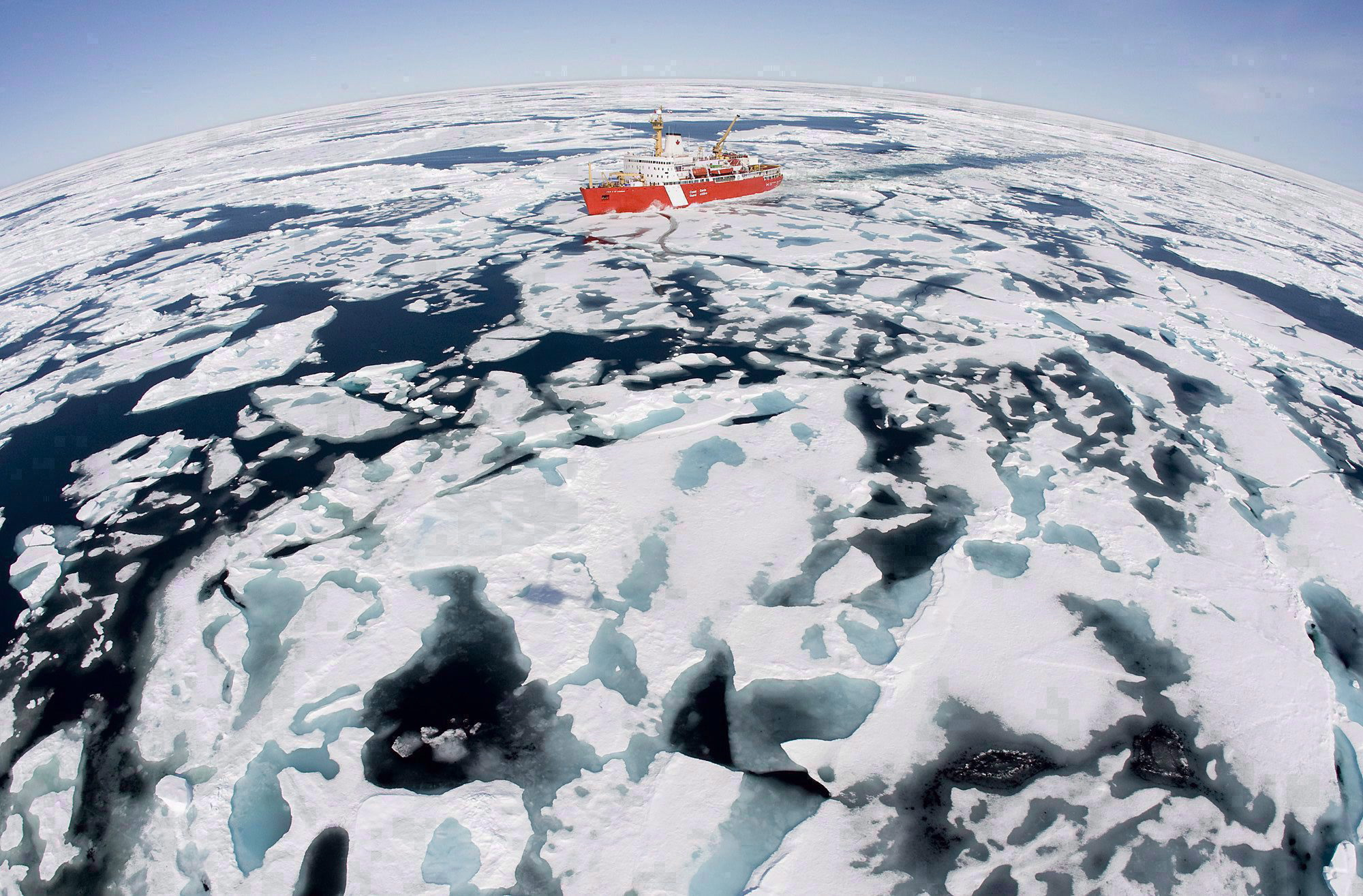 The Canadian Coast Guard icebreaker Louis S. St-Laurent makes its way through the ice in Baffin Bay on July 10, 2008.(Jonathan Hayward / The Canadian Press)